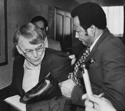 George Forbes tosses journalist Roldo Bartimole from a special council meeting in 1981. - CLEVELAND PRESS COLLECTION, CLEVELAND STATE