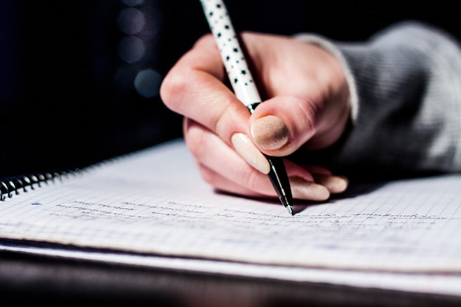writing-933262_1920.jpg