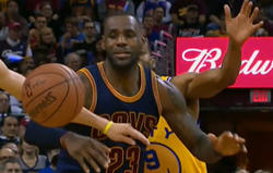 lebron_oh_fuck_moment_when_steph_steals_ball.png