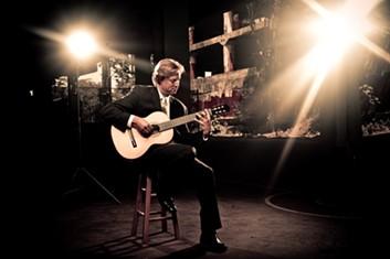 Jason Vieaux kicks off the Cleveland Classical Guitar Festival - COURTESY JASONVIEAUX.COM, PHOTO BY TYLER BOYE