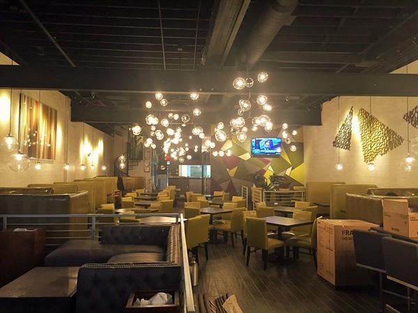 chicago_chix_waffles_interior_2_.jpg