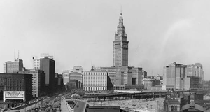 15 Vintage Photos of Cleveland Streets