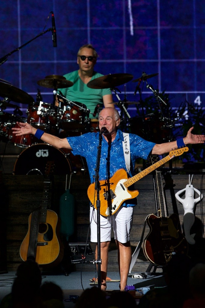 Jimmy Buffett Creates an Unparalleled Party Atmosphere at Blossom ...