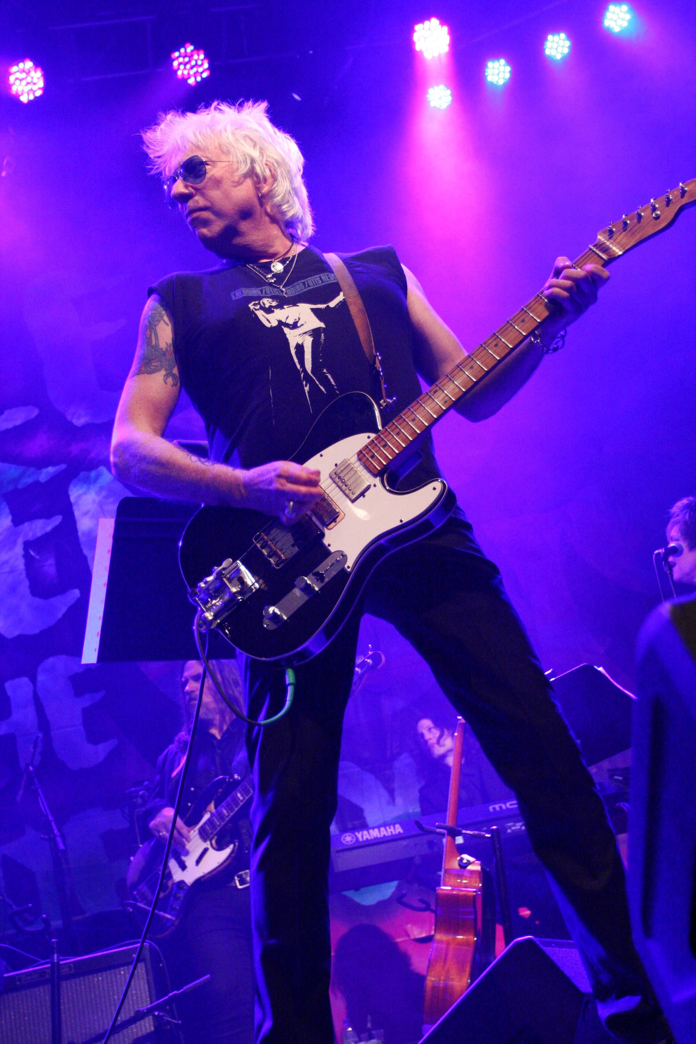 Hall Of Famer Ricky Byrd To Headline Rock Recovery Benefit Concert