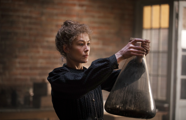 Rosamund Pike as Marie Curie in Radioactive - AMAZON STUDIOS