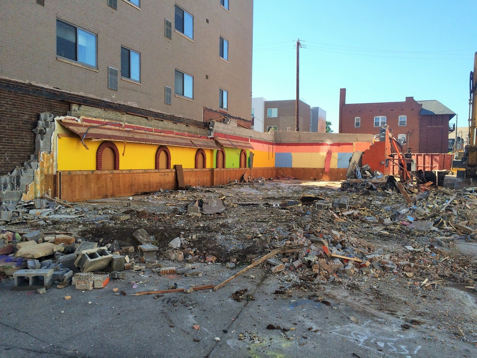 Long Running Mi Pueblo Restaurant Has Been Reduced To Rubble Scene