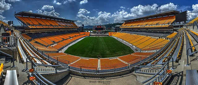 Pittsburgh's Heinz Field - BROOK WARD, LICENSED UNDER THE FLICKR CREATIVE COMMONS (HTTPS://CREATIVECOMMONS.ORG/LICENSES/BY-NC/2.0/)