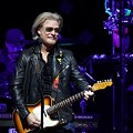 Daryl Hall & John Oates/Train Double Bill Coming to the Q in May