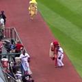 Video: Jason Kipnis Takes Out Ketchup