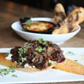 Newly Opened Hook & Hoof Shines in Willoughby, Even If Its Menu is Out of Step With the Season