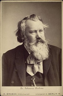 johannes_brahms_portrait_wiki.jpg
