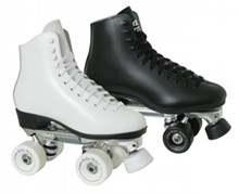 df331743_skates_black_white.jpg