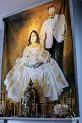 A portrait of the Duchess and Duke by Dominican-born Savannah painter Alexandro Santana, photo by Lily Lewin