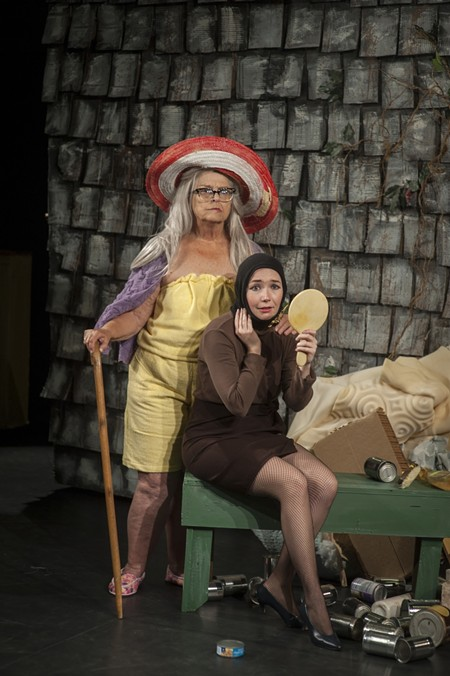 Mickey Dodge (l.) and Maggie Hart play the mother/daughter duo Big Edie and Little Edie in Grey Gardens The Musical. Photos courtesy of Collective Face Ensemble.