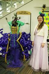 Savannah Balloons artiste Lynnae Weller with her Mardi Gras masterpiece.