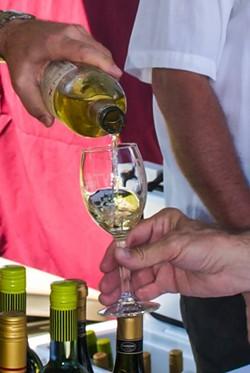 tybee_wine_fest--53799339_2525351977495538_3955913549632503808_n.jpg
