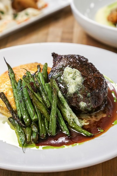 The Filet with green beans and gratin potato.