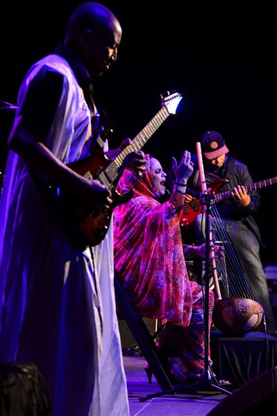 Noura Mint Seymali (center) - PHOTO COURTESY OF SAVANNAH MUSIC FESTIVAL, BY FRANK STEWART