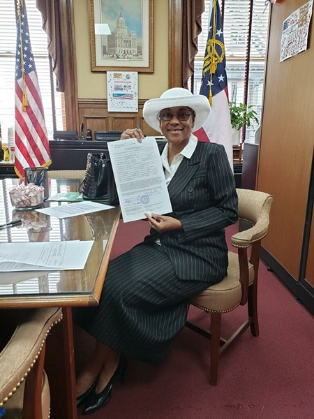 Thomas officially qualifying for her candidacy