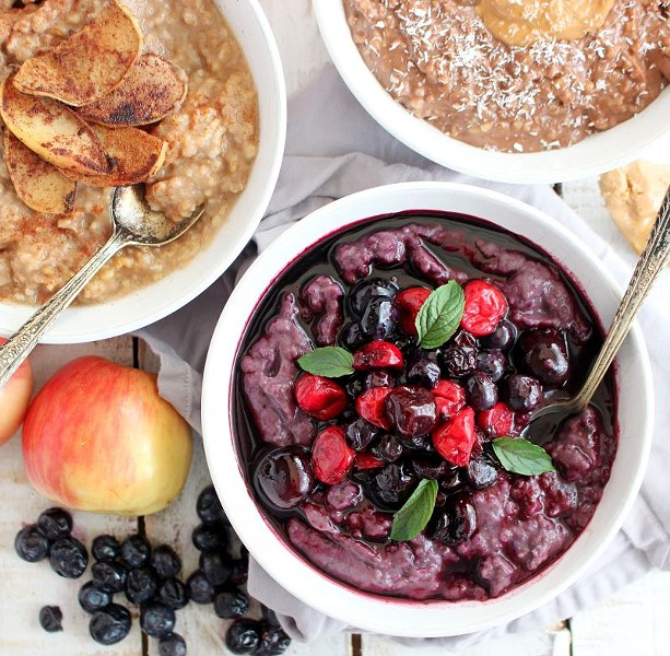 The Savannah Oatmeal Company offers three sumptuous flavors: apple cinnamon, blueberry and, the most popular, dark chocolate peanut butter. Each flavor has its own distinct health benefits that set it apart from the others.