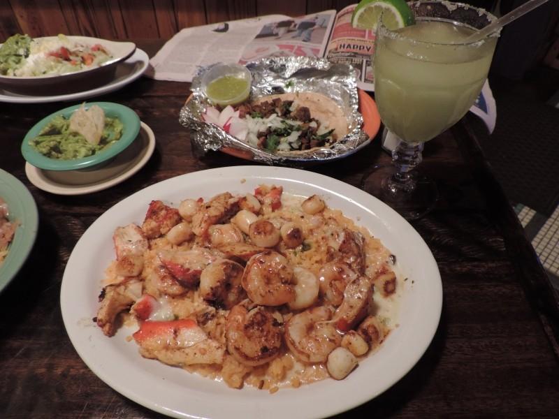 Arroz con mariscos and tacos de lengua.