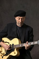 smf_pick_richard_thompson-2007-5-26-richard-thomspn---credit-ton-slenzak.jpg