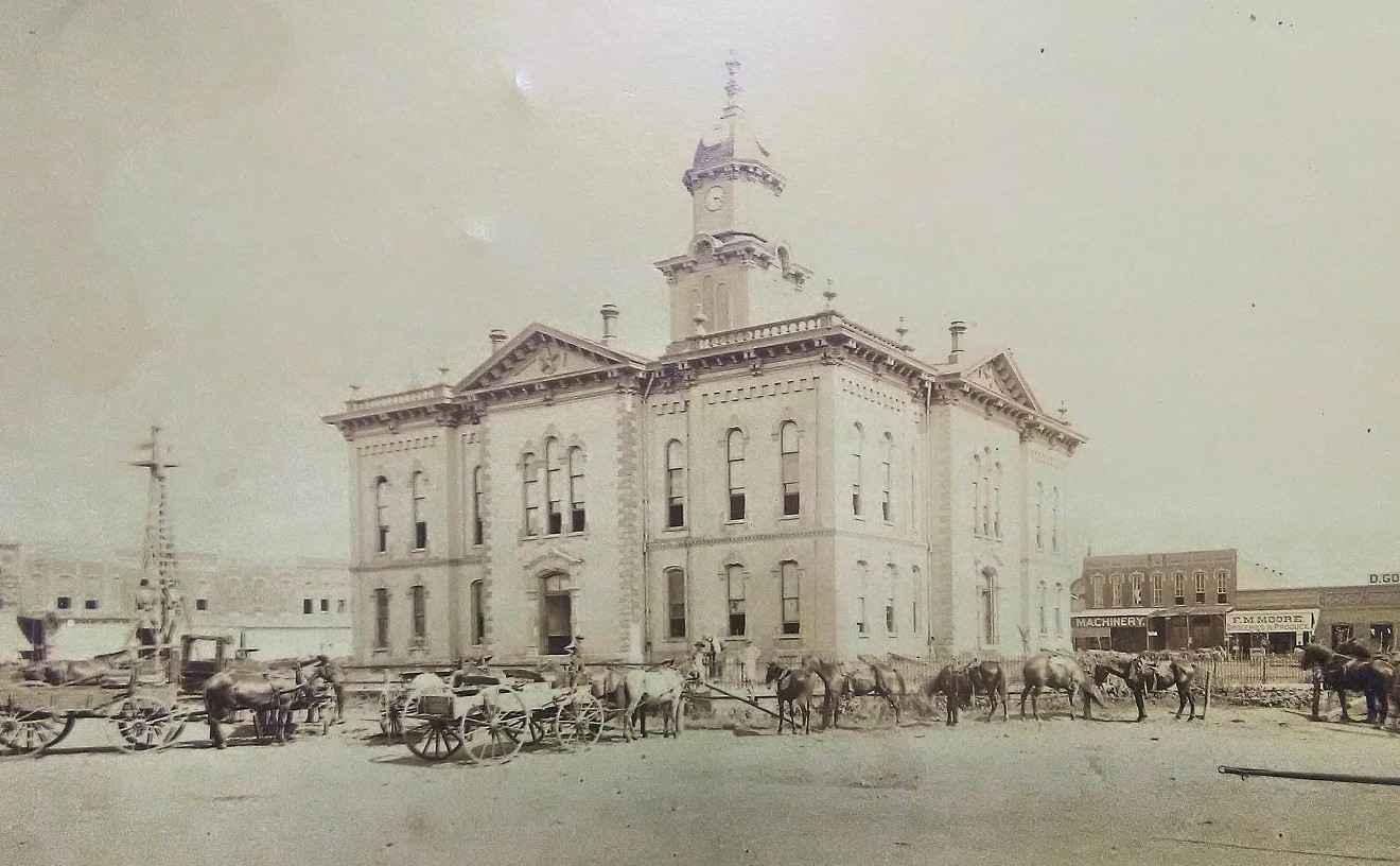 An angry mob destroyed the original Grayson County Courthouse.