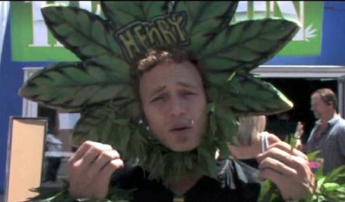 A HempCon attendee talks to HempFusionTV
