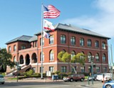 WIKIMEDIA COMMONS - Alameda City Hall is without a city manager, city attorney, police chief, fire chief, and economic development director.