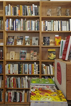 Bookstores Turn to Internet for Help