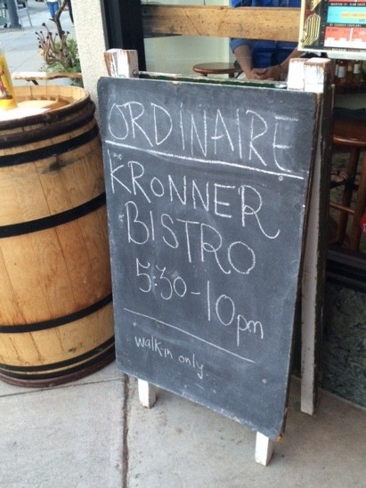 bistro_ordinaire_sign.jpg