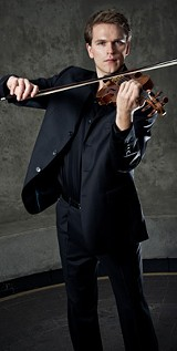 mads-tolling-playing-violin_for_ebx_elert.jpg