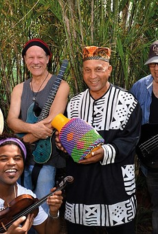Mezcla blends American and Afro-Cuban music.