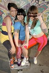 TROY VIVIEN - The ladies of Hottub.