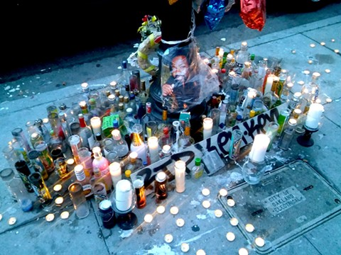 A memorial to Kenneth Smith, one of Oakland's 72 homicide victims in 2017. - DARWIN BONDGRAHAM