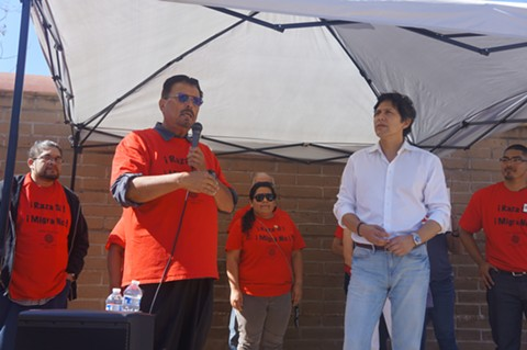 Latino Task Force media spokesperson, Jorge Lerma thanking De León for coming to Oakland. - PHOTO BY AZUCENA RASILLA