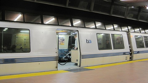 bart_train_at_fruitvale_station_2_cropped.jpg