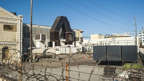 This Vistra Energy plant just west of Jack London Square will be shuttered. - PHOTO BY PAUL HAGGARD