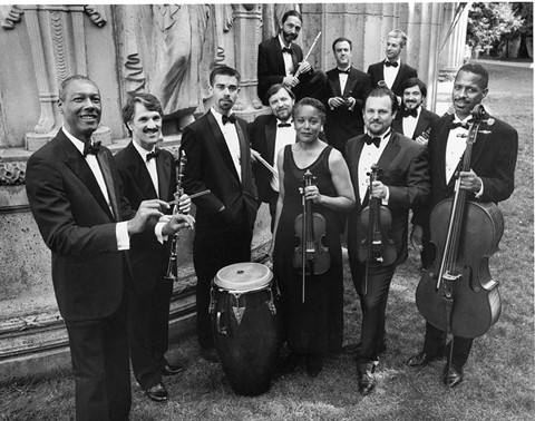 La Orquestra La Moderna Tradición.