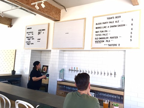 The bar at newly opened Temescal Brewing.