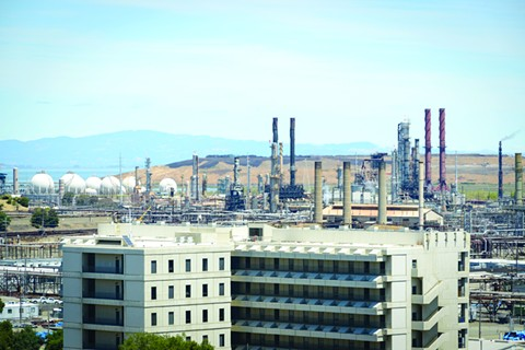 Bay Area Might Adopt World's First Regional Oil-Refinery Emissions Caps