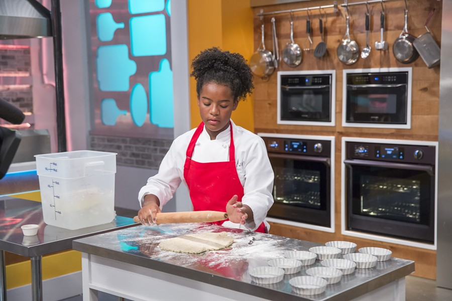 Rahanna Bisseret Martinez rolling out her black pepper pie crust. - NBC/UNIVERSAL KIDS