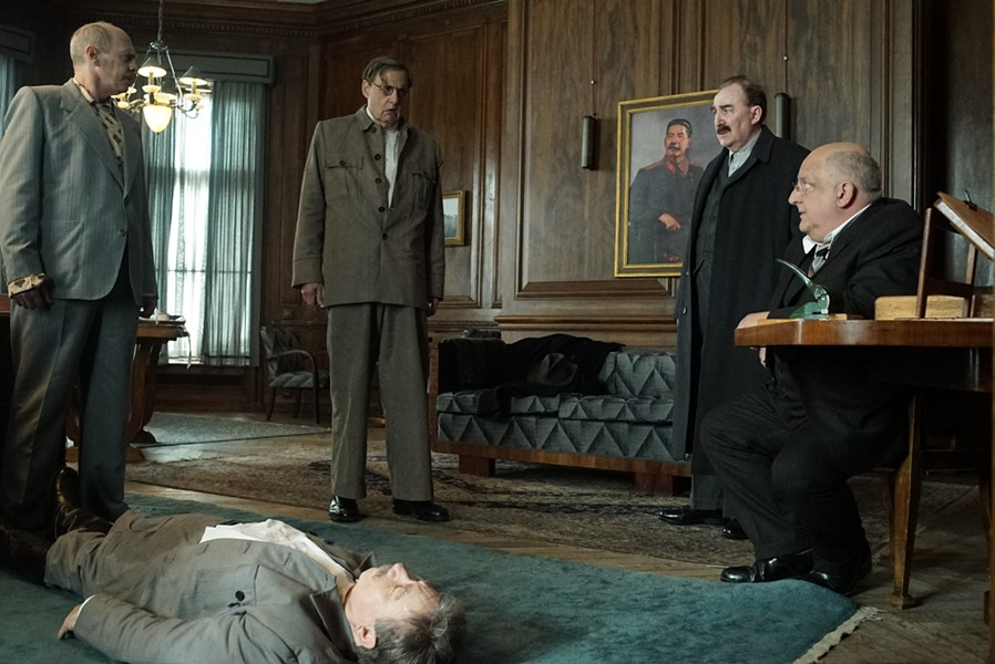 Steve Buscemi, Jeffrey Tambor, Adrian McLoughlin (on floor), Paul Whitehouse, and Simon Russell Beale in The Death of Stalin.