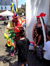 5aadcb6a_ballon_clown_and_kids.jpg