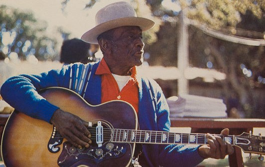 """Mance Lipscomb's blues """"career"""" began at the age of 65. A new live CD includes two performances at the University of Houston."""