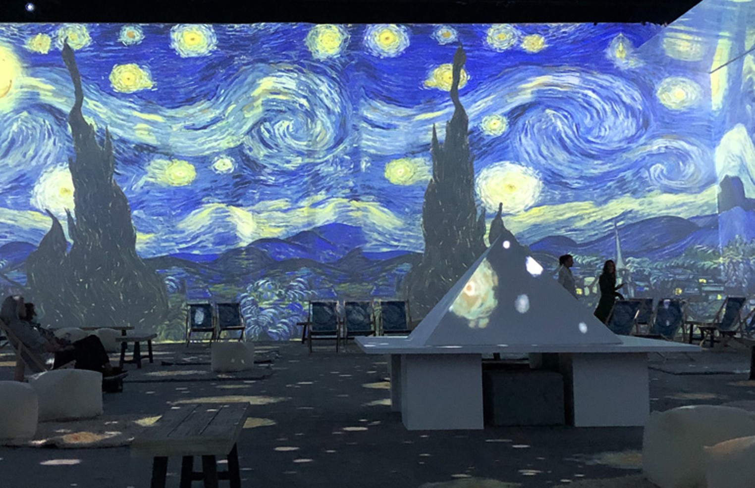 Mind-Bending Van Gogh: The Immersive Experience Adapts the Troubled Artist for the Digital Age