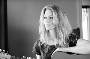 Melanie Delaney comes from Iowa way to play George Ranks on Sun., from 7 to 10 p.m.