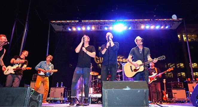 Tonic, Vertical Horizon joined Gin Blossoms on stage for a cover of The Rolling Stones, wild horses. - PHOTO BY BRIAN BOWLES