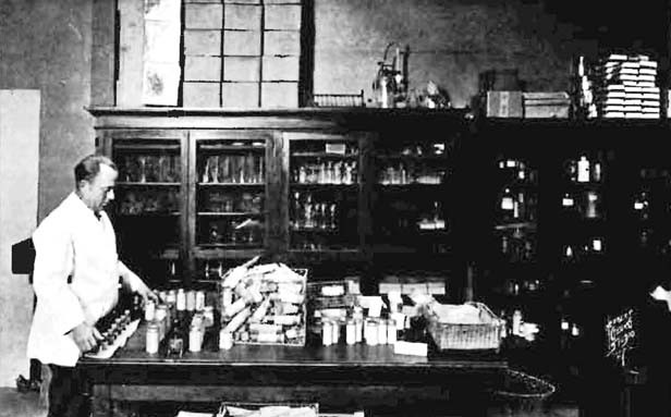 The public health lab at the Statehouse kept on hand materials and personnel to test for contagious diseases. - PHOTOS FROM THE RISE AND FALL OF DISEASE IN ILLINOIS, VOL. 1, ILLINOIS DEPT. OF PUBLIC HEALTH, 1927