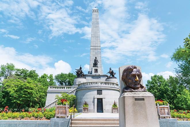 Lincoln Tomb - PHOTO JOSEPH COPLEY